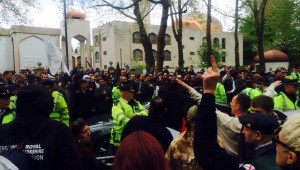 Commotion outside Regent's Park mosque after Jummah prayers on Good Friday